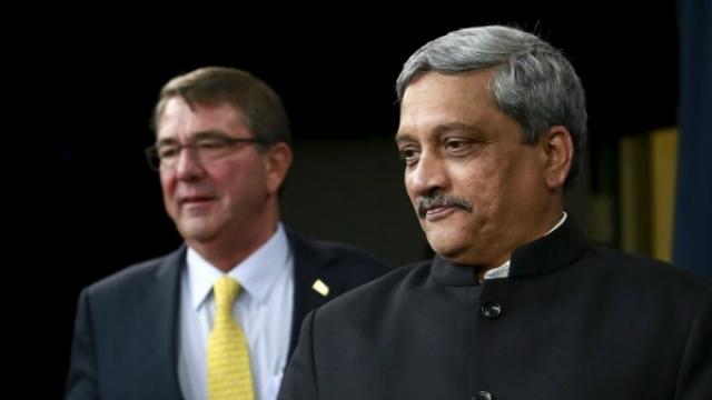 Defence minister Manohar Parrikar with US secretary of defence Ash Carter. Credit: Reuters