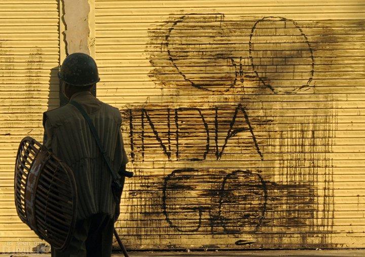 Political graffiti in Kashmir. Credit: Kashmir Global/ Flickr CC BY 2.0