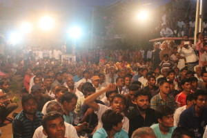 Huge gathering at the public meeting in Koth. Credit: Damayantee Dhar