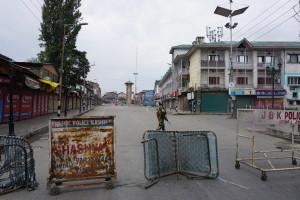 Curfew in Kashmir. Credit: Shome Basu