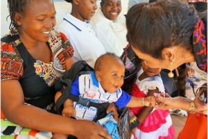Gina Din visits a UNFPA supported maternal and child health facility in Migori County, Kenya. Photo Credit: Gina Din Group
