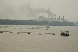 Polluting coal-fired power station along the Ganga in West Bengal. Credit: Beth Walker