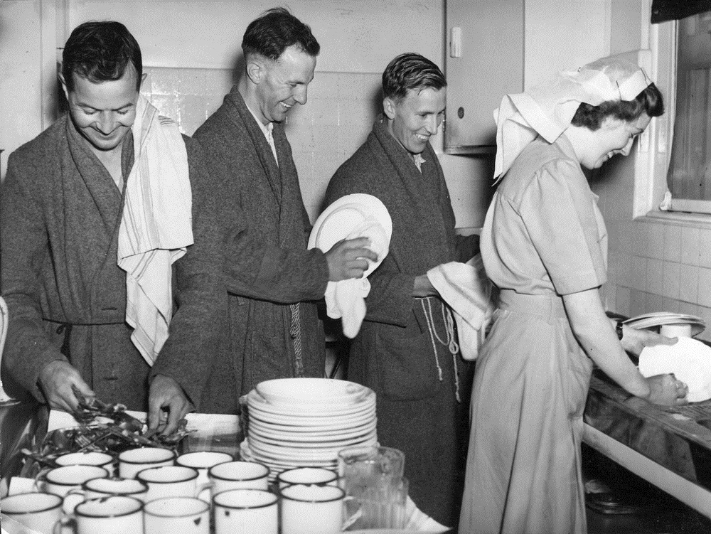 More Women Are Running the World, So Why Aren't More Men Doing the Dishes?