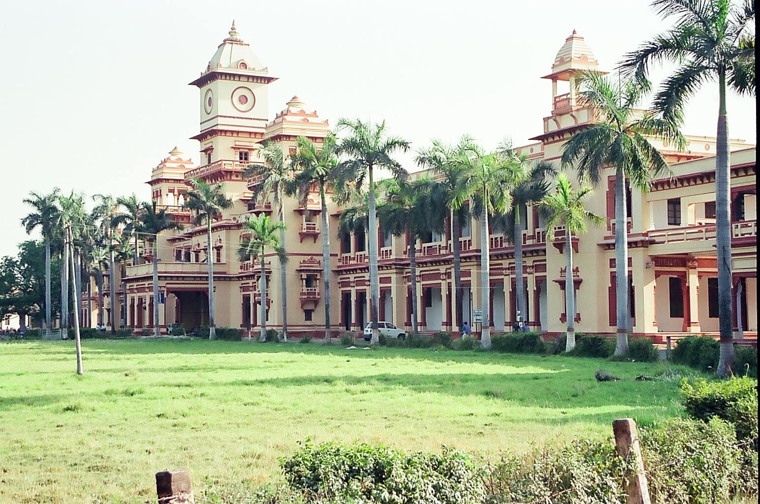 thewire.in - Angellica Aribam - At BHU, Women are Being Restricted by RSS's Chains