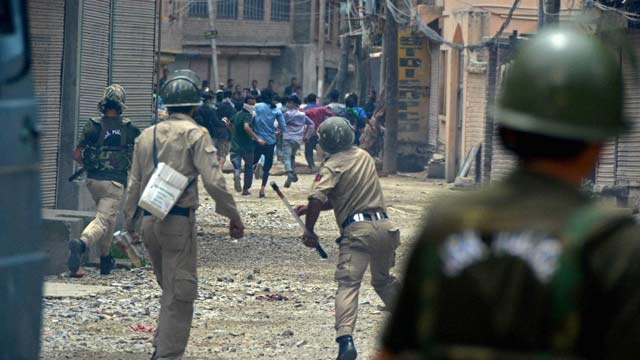 Clashes Erupt in Kashmir Again, Over 200 Injured