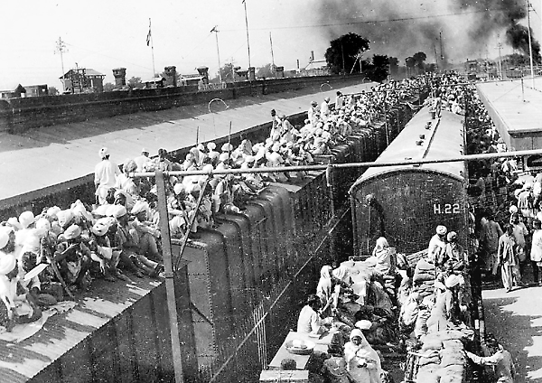Sikh refugees escaping communal violence in 1947. Credit: Wikimedia Commons
