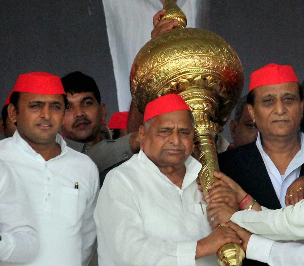 Akhilesh Finally Asserts Himself as Yadav Family Feud Intensifies