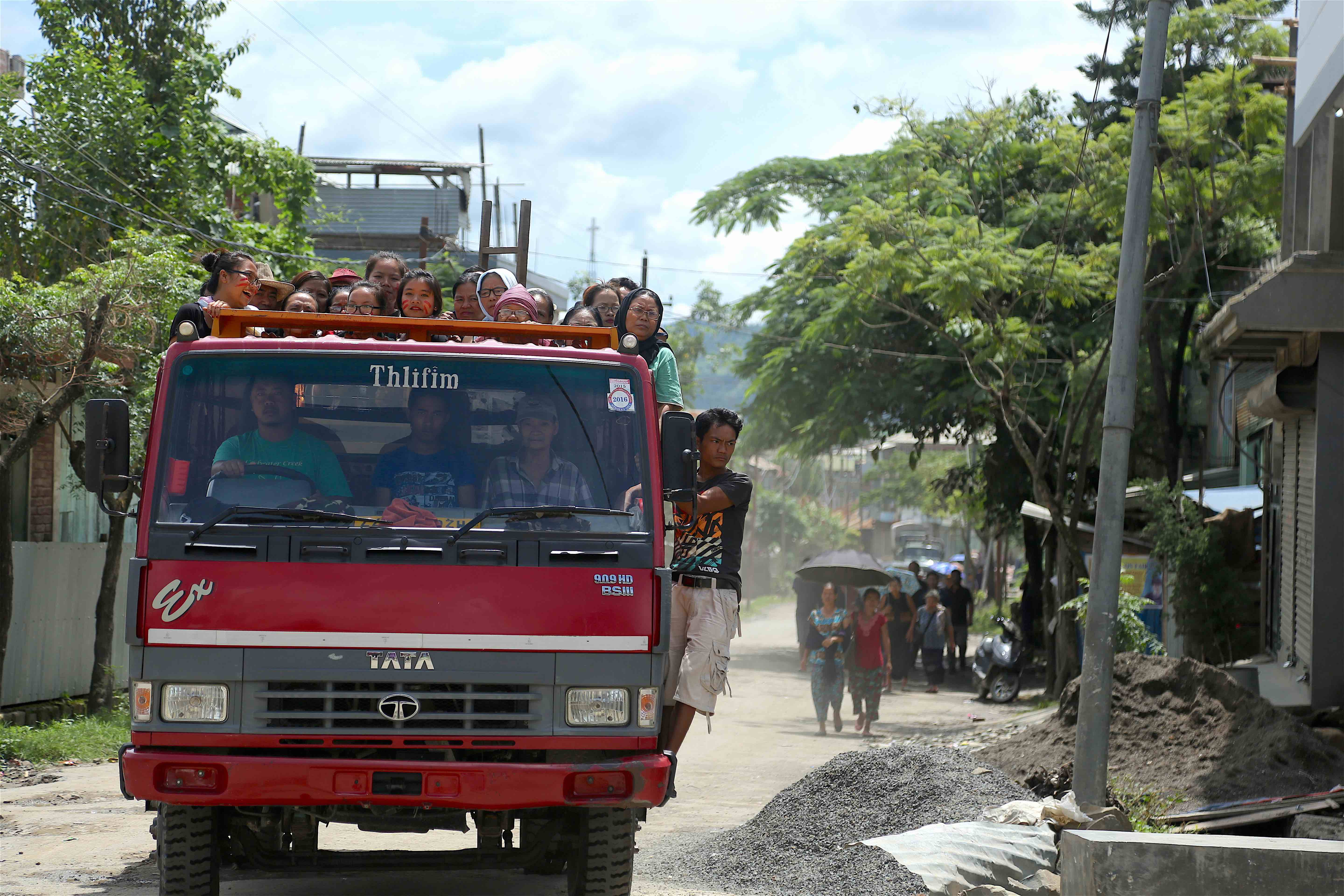People from other hill areas travelled long distances to participate in the Tribal Unity Day in Churachandpur. Credit: Akhil Kumar