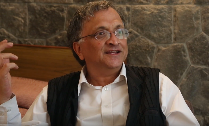 Watch: Ramachandra Guha Discusses His New Book 'Democrats and Dissenters'