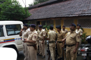 Navi Mumbai police outside the school where students claimed of seeing a group of armed men, near Naval base in Maharashtra's Uran. Credit: Twitter