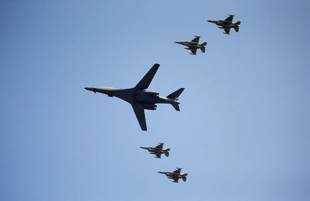 US Bombers Fly Over South Korea in Show  of Force Against North's Nuclear Activity
