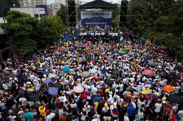 Caracas Sees Large Protests Against Venezuelan President Maduro