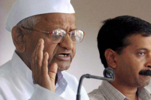 Anna Hazare with Arvind Kejriwal. Credit: PTI