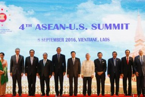 (L to R) Myanmar's State Counsellor Aung San Suu Kyi, Singapore's Prime Minister Lee Hsien Loong, Thailand's Prime Minister Prayuth Chano-cha, Vietnam's Prime Minister Nguyen Xuan Phuc, U.S President Barack Obama, Laos Prime Minister Thongloun Sisoulith, Philippines Foreign Minister Perfecto Yasay, Brunei's Sultan Hassanal Bolkiah, Cambodia's Prime Minister Hun Sen, Indonesia's President Joko Widodo and Malaysian Prime Minister Najib Abdul Razak pose for photo during ASEAN-U.S. Summit in Vientiane, Laos September 8, 2016. Credit: Reuters/Jorge Silva
