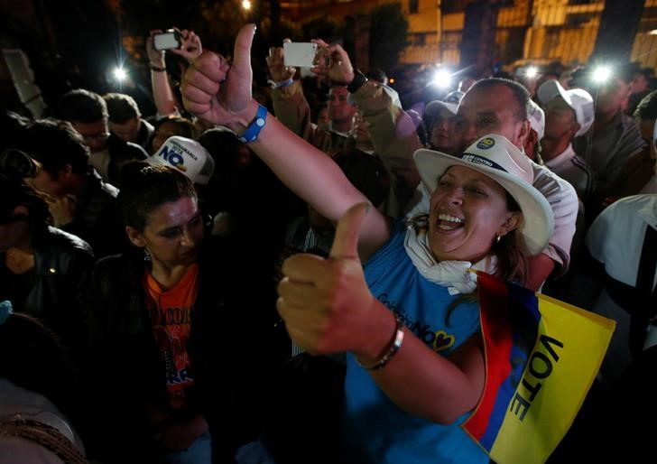 Supporters of the No vote celebrate after the nation voted No in a referendum on a peace deal between the government and FARC, in Bogota, Colombia, October 2, 2016. Credit: Reuters