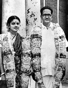 Marriage photo of T. Sadasivam and M. S. Subbulakshmi, 1940. Credit: Wikimedia Commons