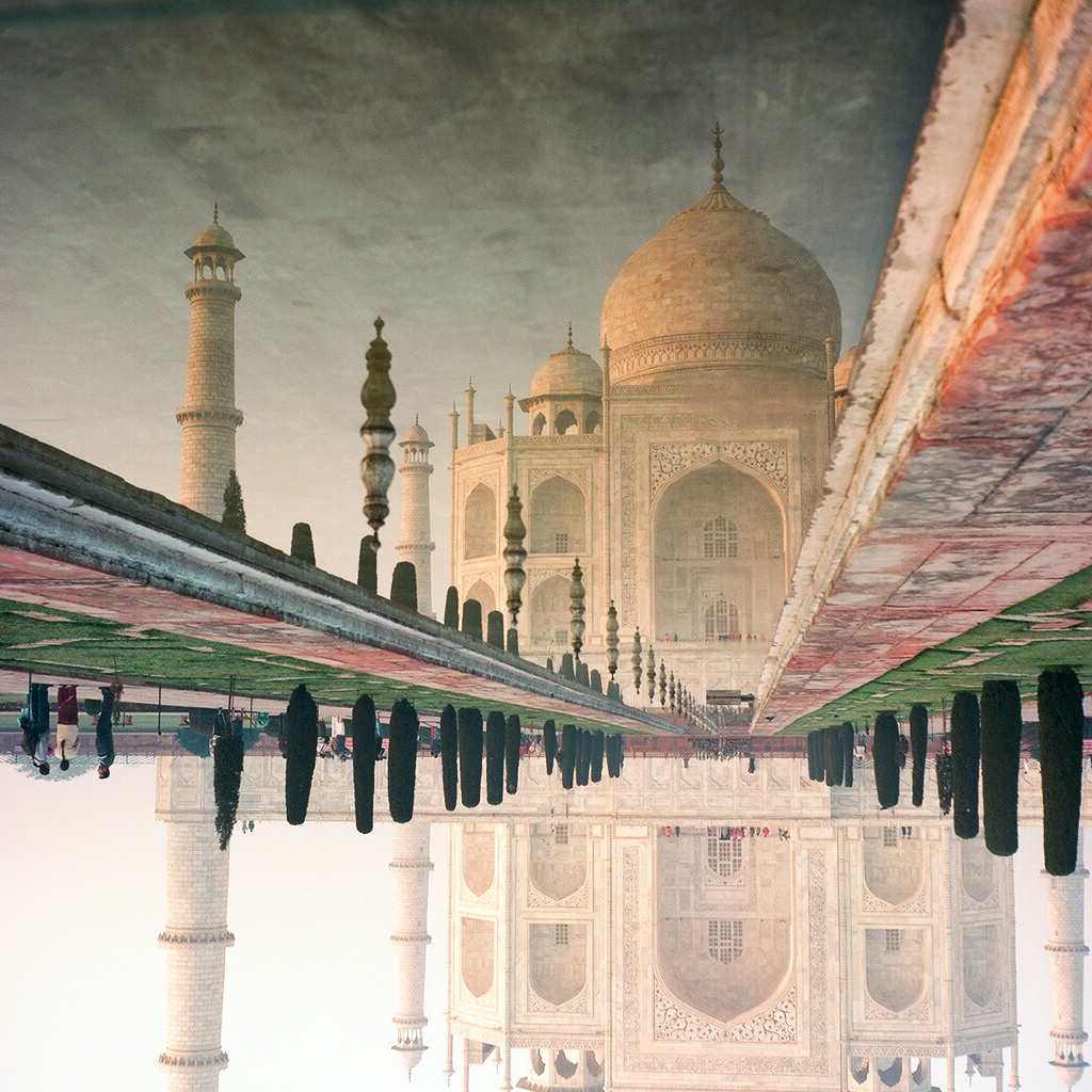 Openly Burning Garbage Around Agra is Discolouring the Taj Mahal