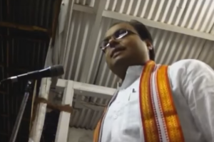 Anirudha Rajput, delivering a lecture on Hindutva icon V.D. Savarkar at a function in Pune. Credit: YouTube