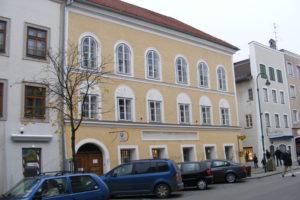 The building in Braunau Am Inn, Austria, where Hitler was born. Credit: Wikimedia Commons
