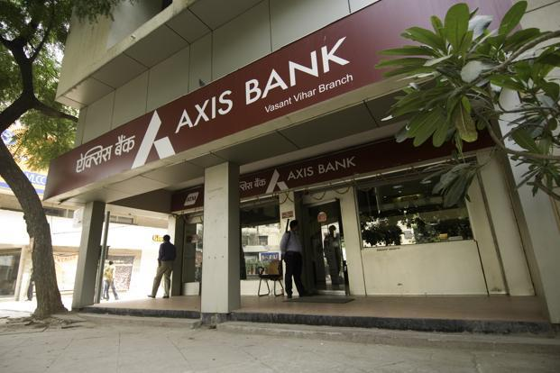 Higher Pay for Axis Bank Top Management Despite Troubled Financial Year