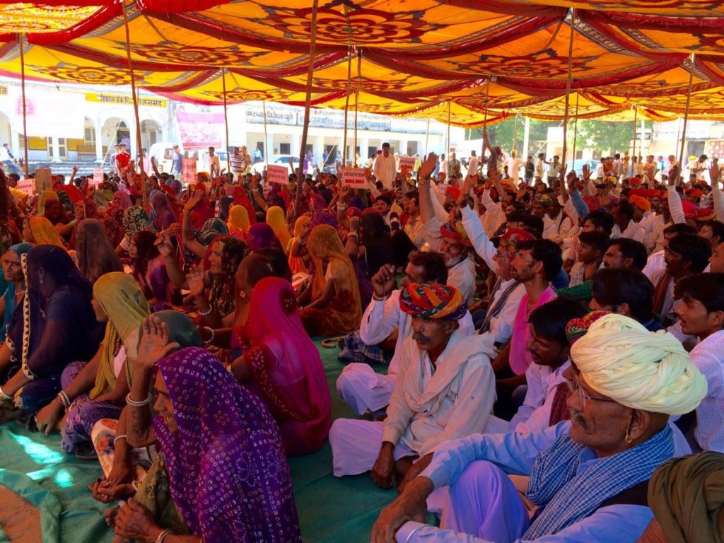 Banjaras gathered for the public hearing in Rajasmund. Courtesy: Cheryl D'souza