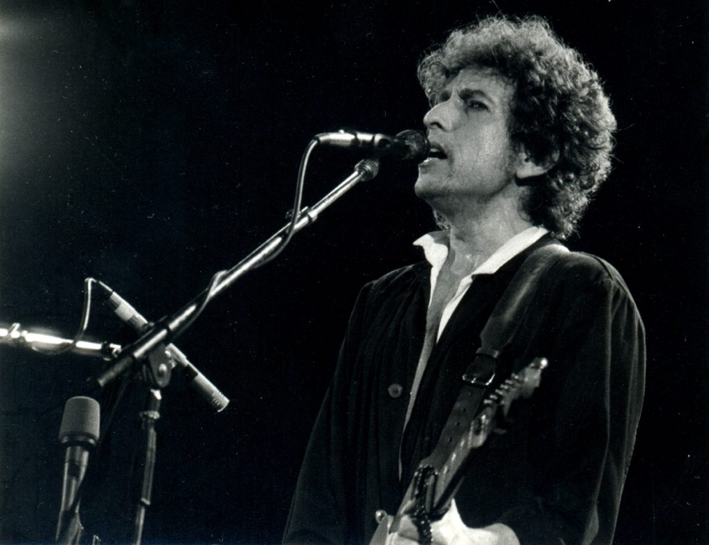 Bob Dylan, the Enigmatic Storyteller Who Changed Songwriting