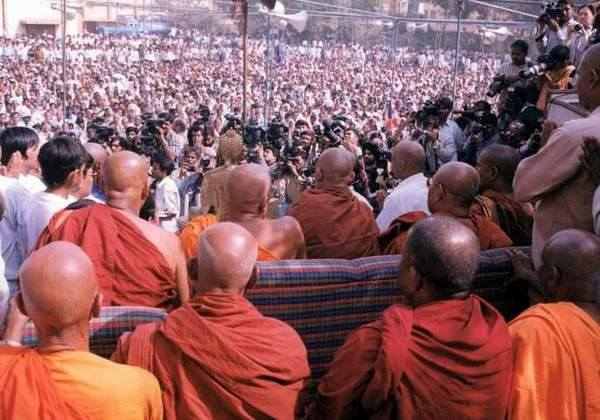 Over 200 Dalits Embrace Buddhism in Gujarat