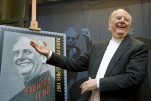 Italian 1997 Nobel literature prize winner Dario Fo reacts on unveiling a commemorative postage stamp in Stockholm November 13, 2008.   REUTERS/Scanpix/Anders Wiklund