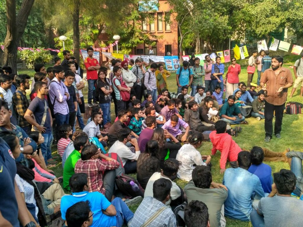 ABVP Allegedly Attacks Delhi University Students, Journalist at Public Meeting