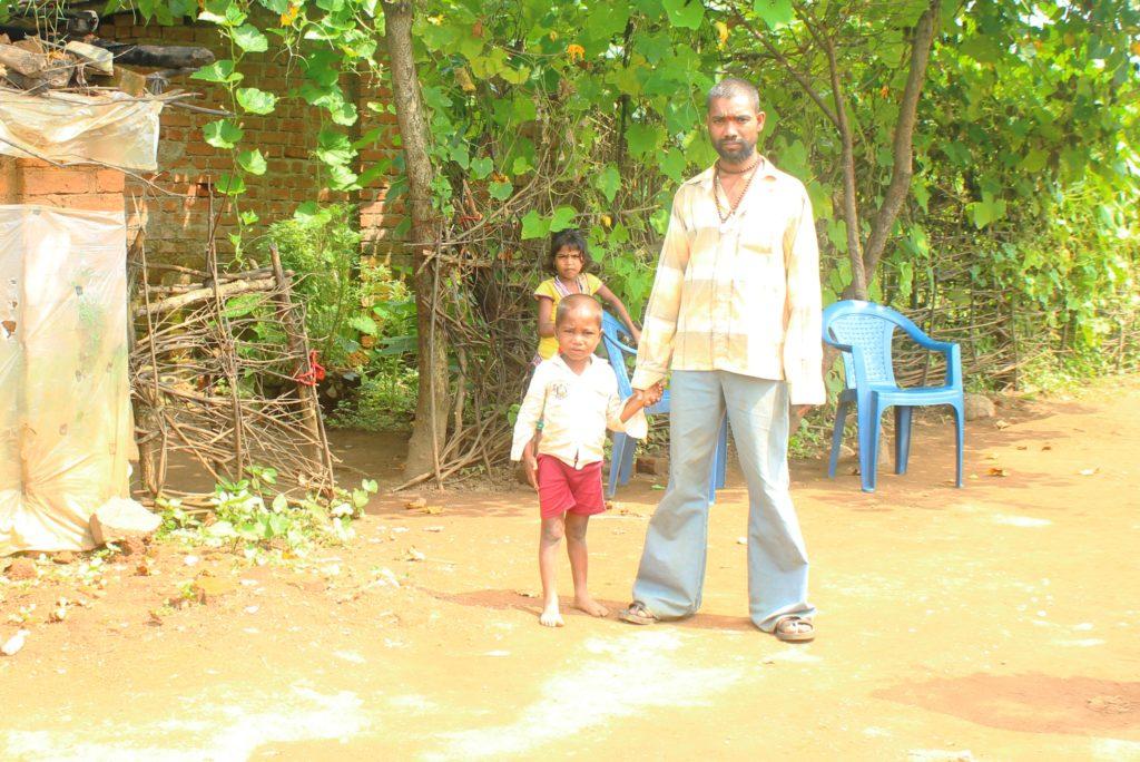 Mahadev Sawra, whose son died due to malnutrition on September 26. Credit: Varsha Torgalkar