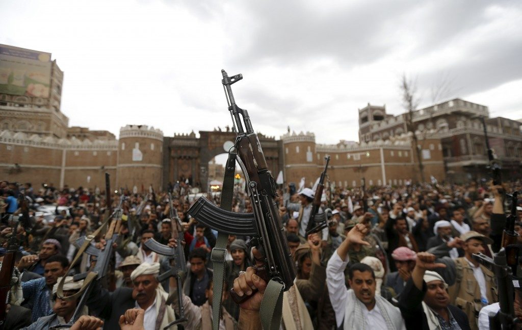 Shi'ite Muslim rebels hold up their weapons during a rally against air strikes in Sanaa March 26, 2015. Tensions haven't subsided since the unrest last year. Credit: Reuters/Khaled Abdullah