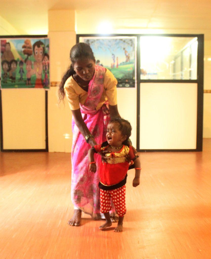 A malnourished child taking treatment at Mokhada Governmnet Hospital. Credit: Varsha Torgalkar