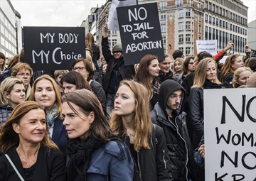 The Gender Beat: Polish Women Protest Abortion Ban Proposal; Transgenders Could Face Trouble Voting in US Polls