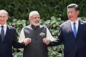 Prime Minister with (L-R) Brazilian President Michel Temer, Russian President Vladimir Putin, Chinese President Xi Jinping and South African President Jacob Zuma at the BRICS summit in Goa. Credit: PTI