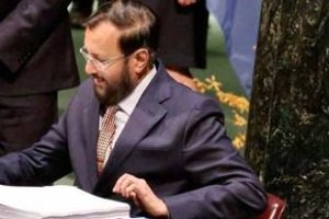 Environment minister Prakash Javadekar signs the Paris Agreement on climate change at the UN headquarters in New York. Credit: PTI