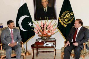 A file photo of Prime Minister Nawaz Sharif talking to DG ISI Lt Gen Rizwan Akhtar. Credit: Press Information Department, Pakistan
