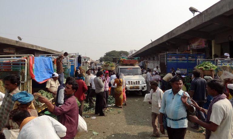 The APMC at Selu. Credit: Jaideep Hardikar