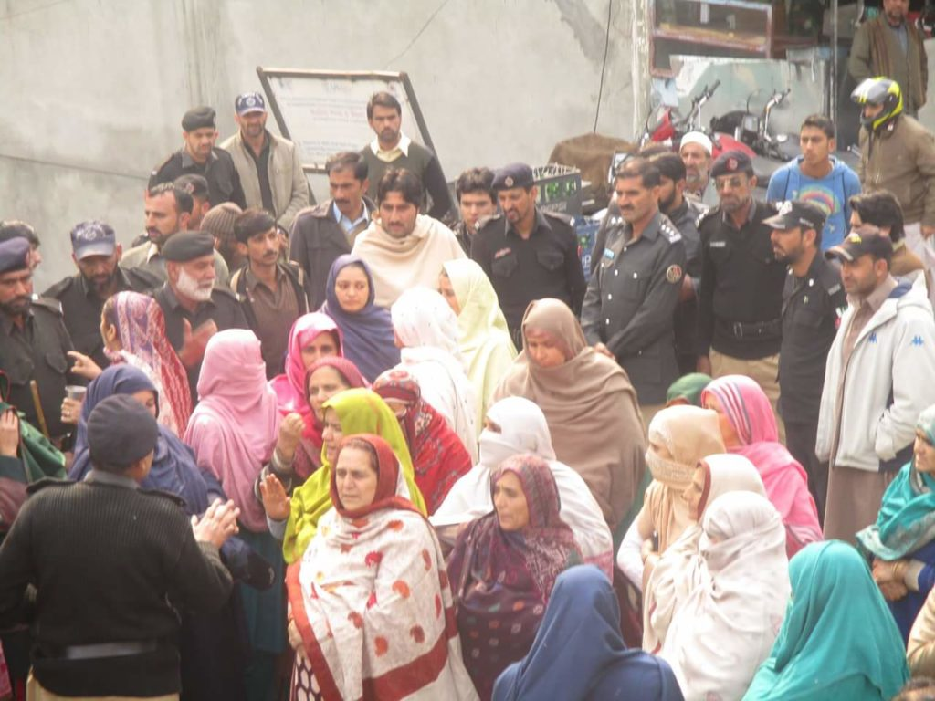 People protest in Athmuqam this year, demanding peace between India and Pakistan. Credit: Amiruddin Mughal