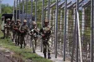 File image of Indian Army jawans patrolling the border. Credit: PTI
