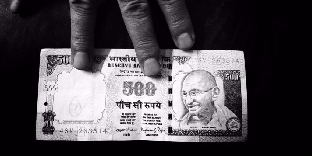 Government Extends Use of Rs 500, Rs 1000 Notes for Key Utility Payments Until November 24