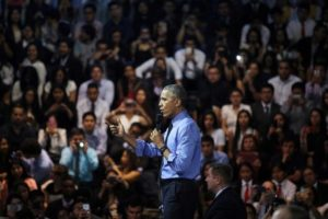 US President Barack Obama addresses the audience at a town hall meeting with young leaders at the Pontifical Catholic University of Peru in Lima November 19, 2016. Credit: Reuters/Guadalupe Pardo