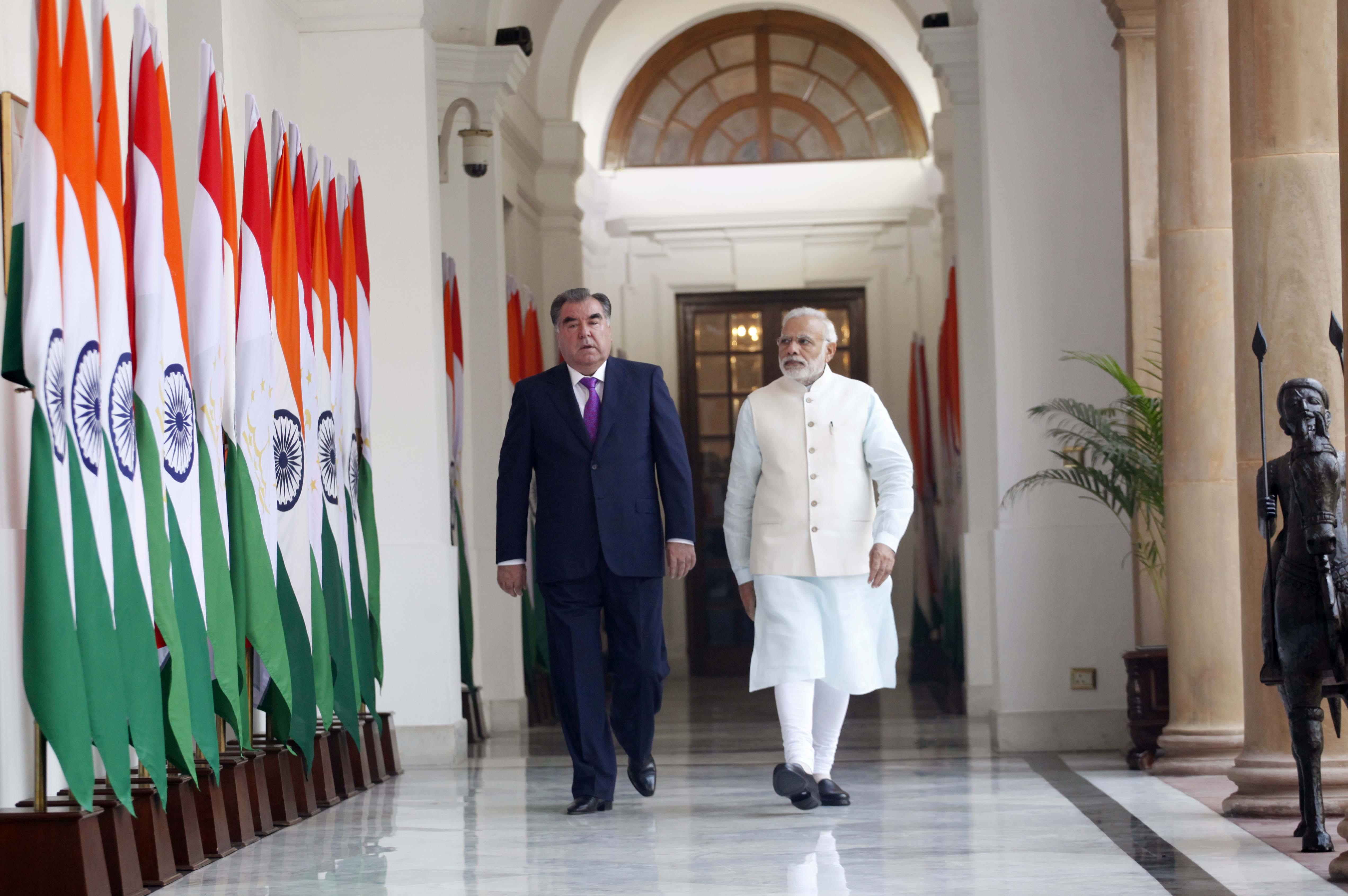 Prime Minister Narendra Modi with Tajikistan's President Emomali Rahmon. Credit: MEA/Flickr