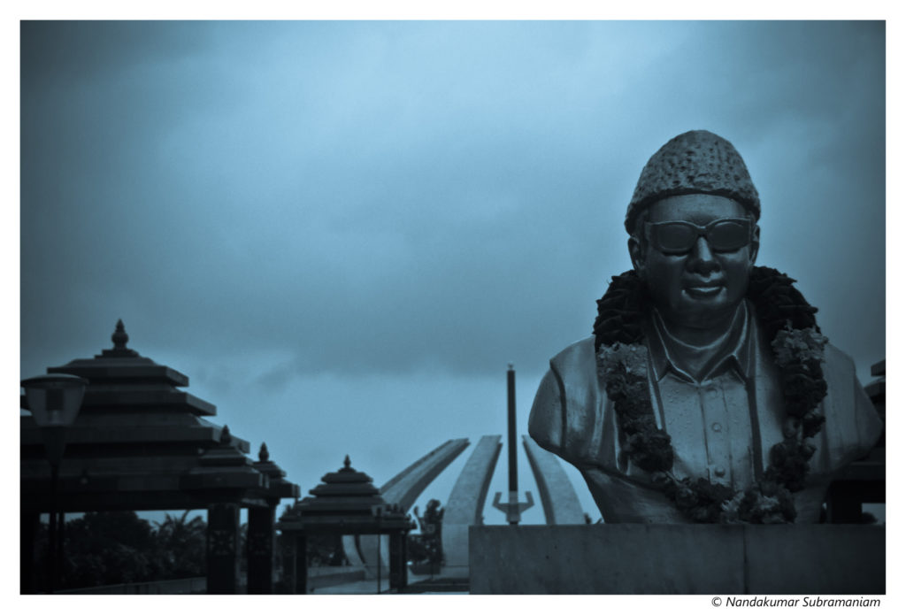 MGR's final resting place on Marina beach, Chennai. Credit: Nandakumar Subramaniam/Flickr CC 2.0