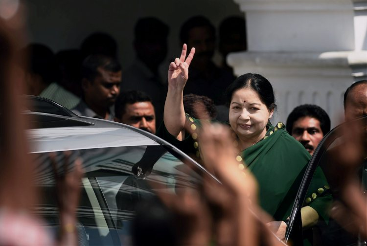 Dhinakaran Camp Releases Video Clip of Jayalalithaa in Hospital, EC Tells Channels Not to Air It
