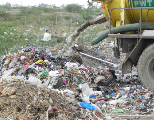 Open dumping of septage in India. Credit: Faecal Waste Management in Smaller Cities across South Asia: Getting Right the Policy and Practice
