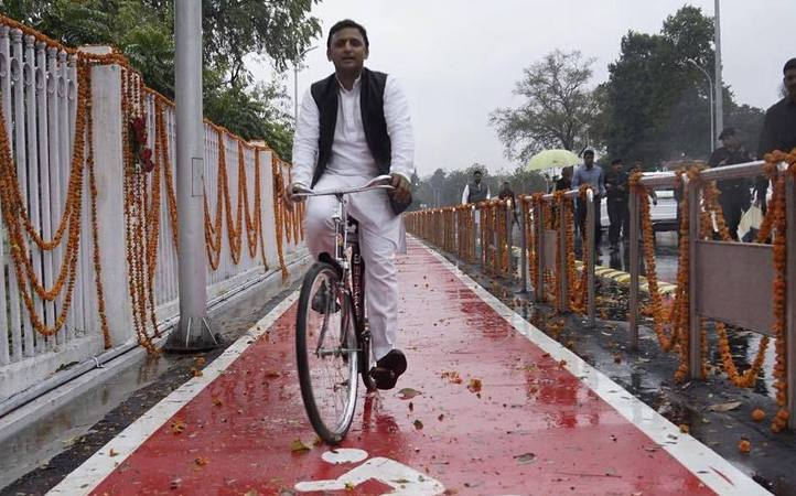 As Mulayam Stakes Claim to 'Cycle', EC Now Holds Key to Samajwadi Party Symbol