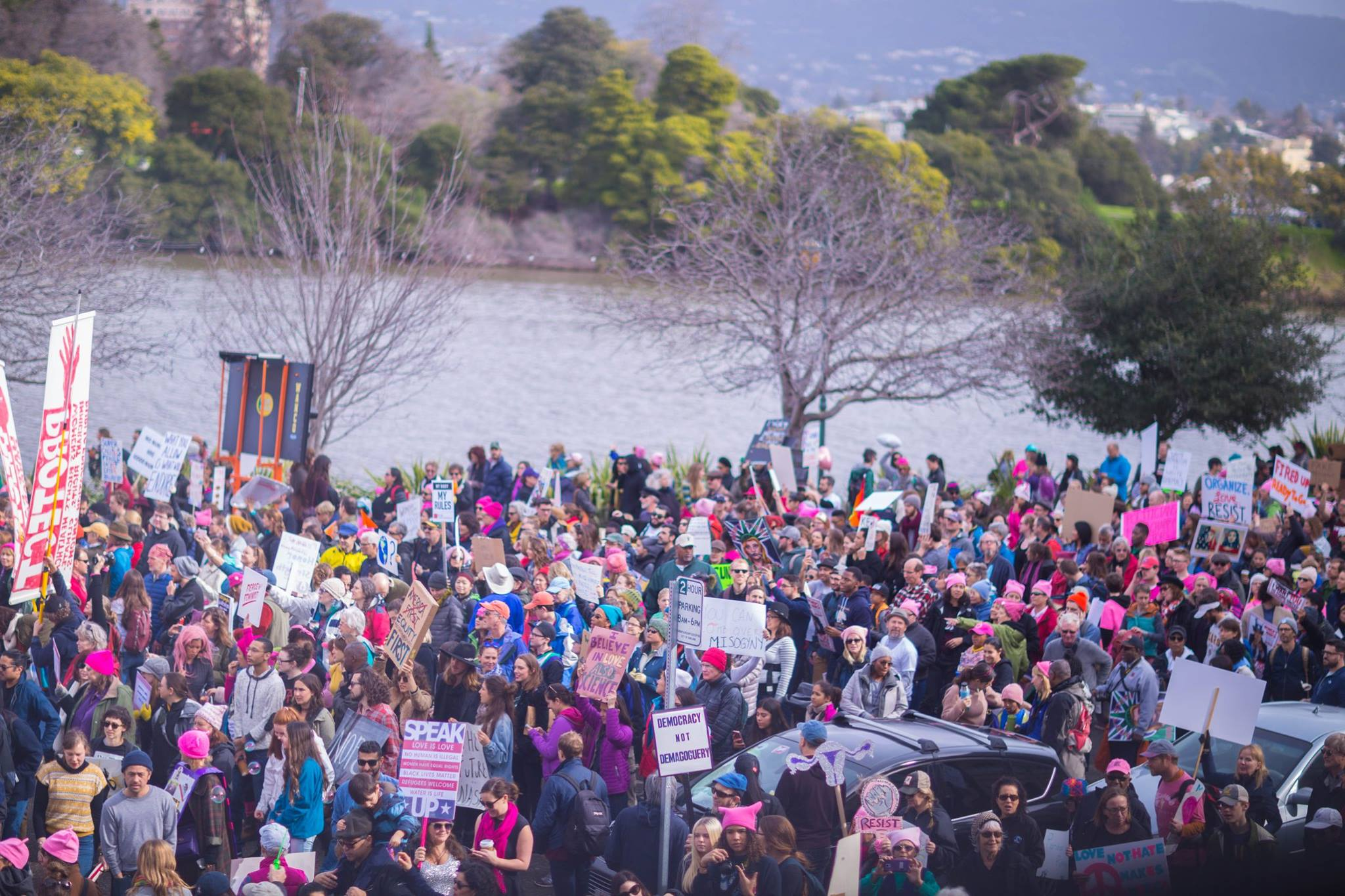 Protestors at Lake Merritt, California. Credit: Nicole Naramura