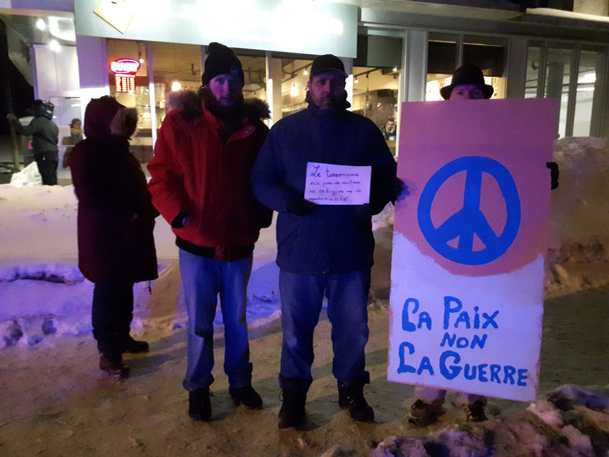 Citizens gathered at the Quebec mosque. Credit: Alexandre Duval