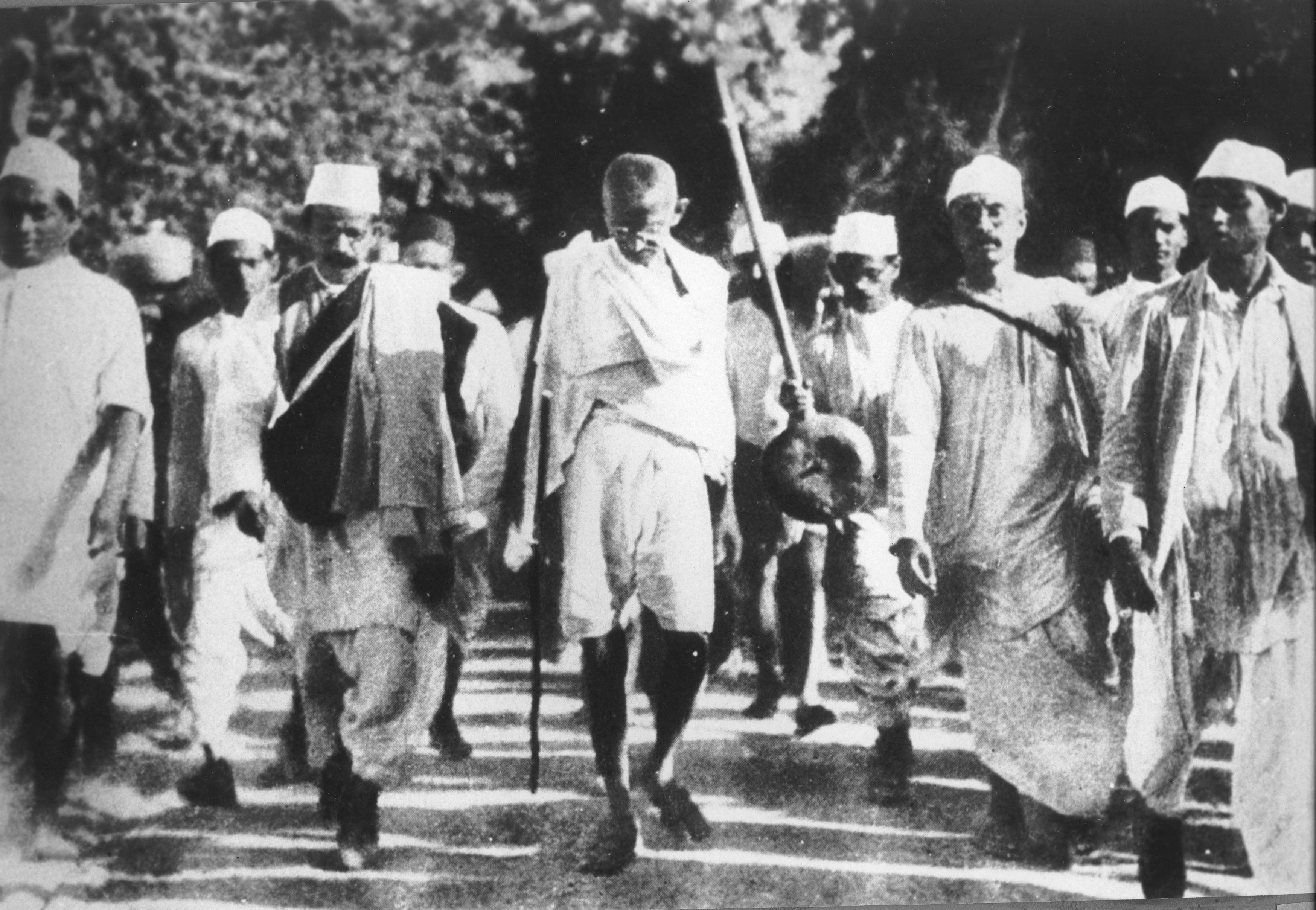 Gandhi leading the 1930 salt march. Credit: Wikimedia Commons