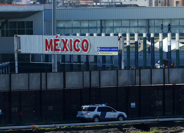 A U.S. border patrol vehicle drives along the border wall between Mexico and the United States in San Ysidro, California, U.S., January 25, 2017. REUTERS/Mike Blake